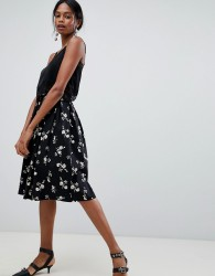Liquorish Floral Pleated Prom Skirt - Black