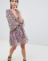 Liquorish Floral Print Dress With V Front And Kimono Sleeve - Purple