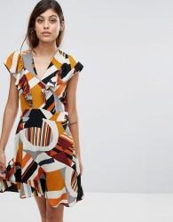Liquorish Frill Front Dress In Geo Print - Multi