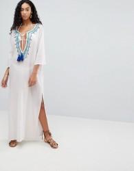 Liquorish Maxi Beach Dress With Embroidered Emblem - White