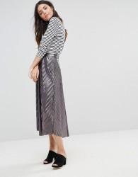 Liquorish Pleated Midi Skirt - Silver