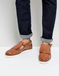 London Brogues Buckle Sandals In Tan - Tan