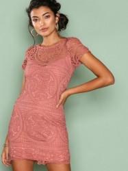 Love Triangle Amalfi Lace Mini Dress Kropsnære kjoler Dark Rose