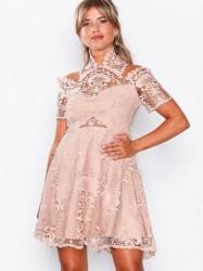 Love Triangle Bella Donna Mini Dress Kropsnære kjoler Almond Cream
