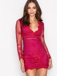 Love Triangle Silent Night Mini Dress Kropsnære kjoler Raspberry