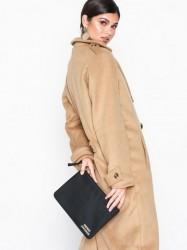 Marc Jacobs Medium Pouch Håndtaske