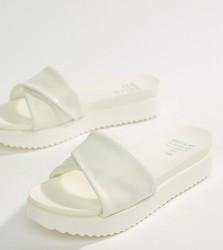 Matt & Nat Flatform Sliders - White