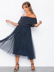 Maya Bardot Delicate Sequin Midi Dress Pailletkjoler