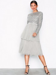 Maya Delicate Sequin Tiered Midi Dress Pailletkjoler Light Grey
