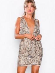 Missguided Embellished Plunge Mini Dress Pailletkjoler