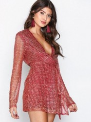 Missguided Twist Front Dress Pailletkjoler Red