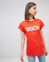 Moss Copenhagen boyfriend t-shirt with front logo - Red