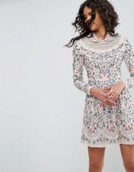 Needle & Thread Whisper Embellished Prom Dress - Pink