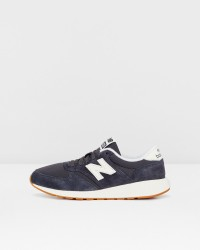 New Balance WRL42 sneakers