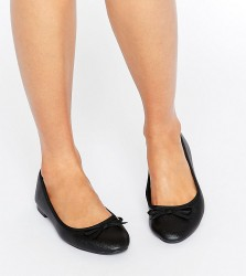 New Look Wide Fit Leather Look Ballet Pump - Black