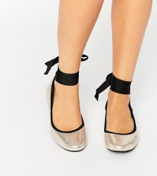 New Look Wide Fit Tie Up Ballet Pump - Gold