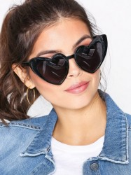 NLY Accessories Heart Cat Eye Sunglasses Solbriller Sort