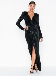 NLY Eve Twisted Shiny Gown Maxikjoler