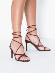 NLY Shoes Crossed Multi Strap Heel High Heel