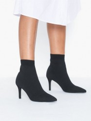 NLY Shoes Perfect Sock Boot Heel