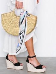 NLY Shoes Wedge Heel Sandal Wedge Sort
