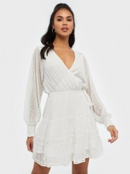NLY Trend Flawless Wrap Dress Skater kjoler