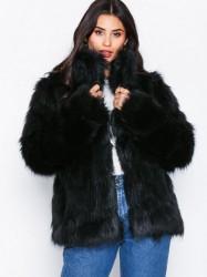 NLY Trend Fluffy Fur Jacket Faux Fur Sort