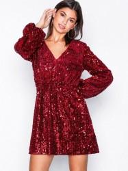 NLY Trend Perfect Velvet Sequins Dress Pailletkjoler Rød