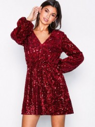 NLY Trend Perfect Velvet Sequins Dress Pailletkjoler Rød