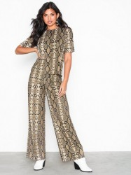 NLY Trend Snake Tee Set Jumpsuits