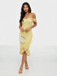 NLY Trend True Love Lace Dress Tætsiddende kjoler