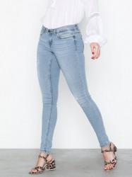 Side 74 Jeans Se priser og tilbud på Jeans Køb online