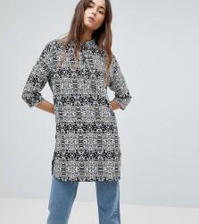 Noisy May Tall Maci Animal Print Shirt - Black