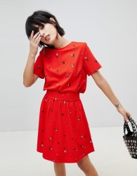 Pieces Ditsy Floral Woven T-Shirt - Red