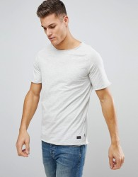 Produkt T-Shirt with Raw Curved Hem and Raglan Sleeve - White