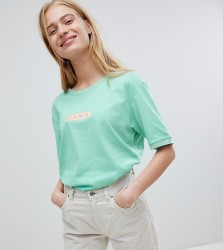 Puma Exclusive Oversized Organic Cotton Boxy Badge T-Shirt - Green