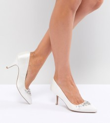 QUPID Bridal Embellished Pointed Heels - Cream