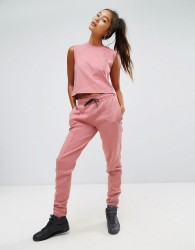 Reebok Classics Tapered Sweat Pants In Pink - Pink