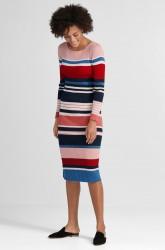 Ribstrikket kjole