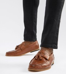 River Island wide fit leather loafers with tassels in tan - Tan