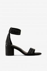 Sandal med nitter