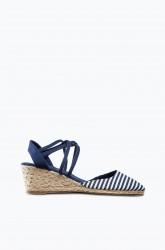 Sandal med rebflet på kilehæl