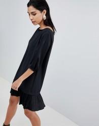 Sisley Pleat Drop Waist Hem Dress - Black