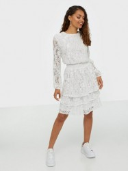 Sisters Point Nicoline Lace Dress Loose fit