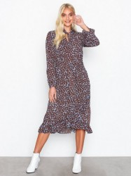 Sisters Point Valli Dress Loose fit