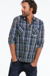 Skjorte med ternet mønster