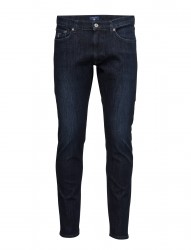 Slim Tapered Agile Jean