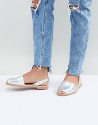 Sollilas Holographic Leather Menorcan Sandals - Silver
