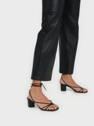 Steve Madden Ivanna Sandal Low Heel