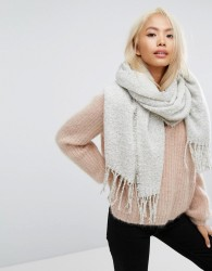 Stitch & Pieces Boucle Knitted Scarf with Tassles in Light Grey - Grey
